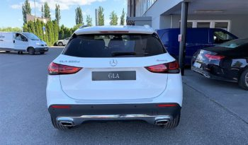 MERCEDES-BENZ GLA 200 d 4MATIC full