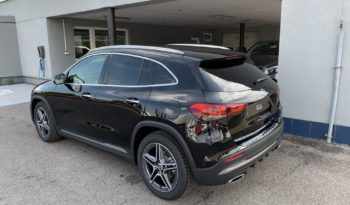 MERCEDES-BENZ GLA 200 d full